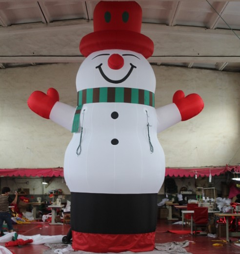 Giant inflatable snow man for christmas advertising